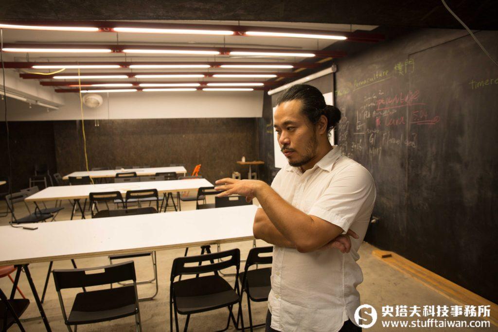 ▲地下室的展演空間經常安排各式工作坊、講座、課程與展覽,吸引不同領域的人來此交流
