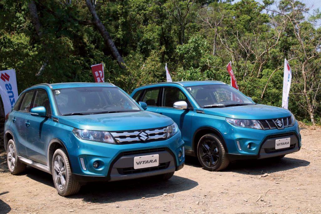 左車「自然進氣車型」,右車「渦輪車型」渦輪車型與自然進氣車型外觀差異在於,水箱護罩與後視鏡飾蓋。