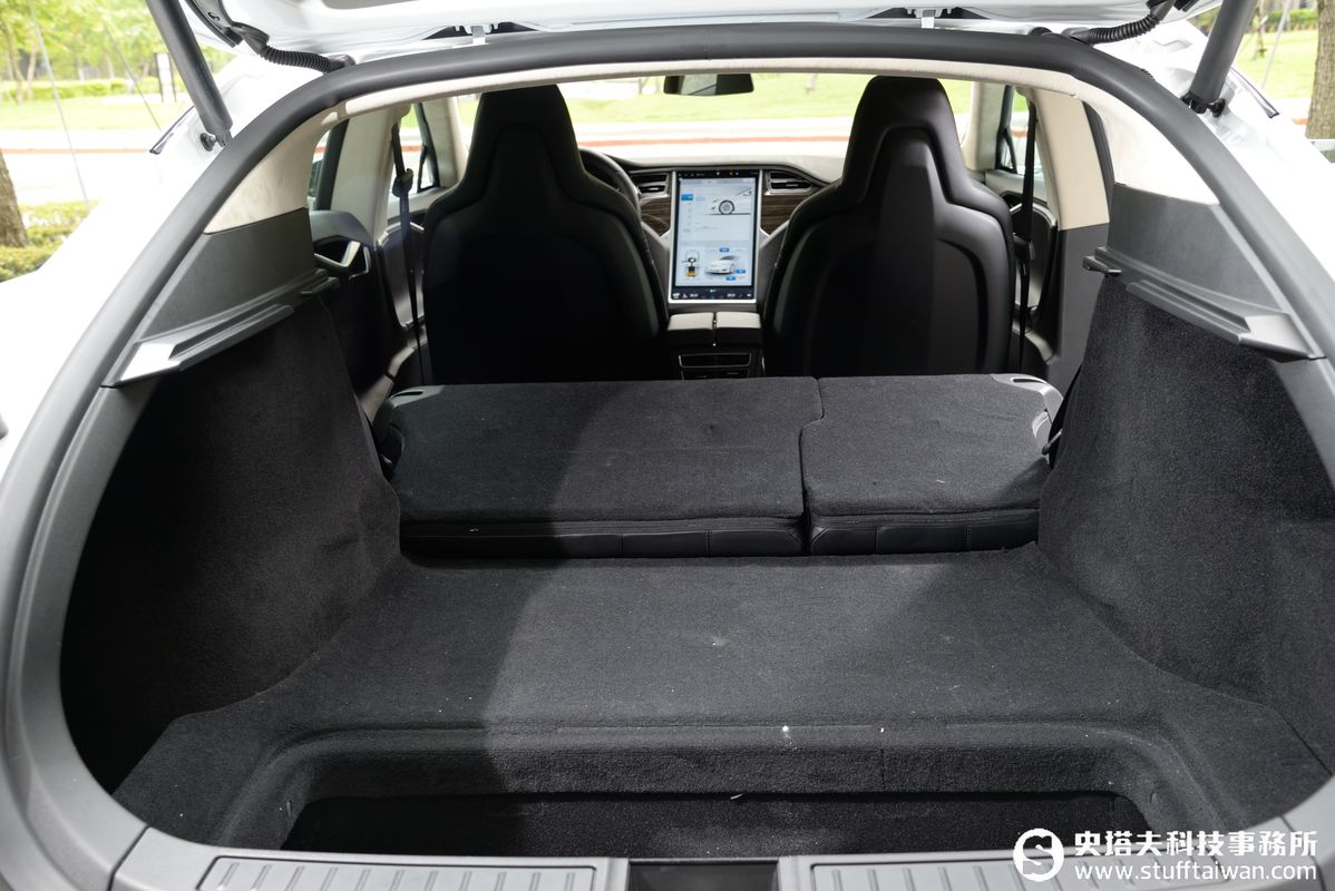 Tesla Model S 90D試駕:新寧靜革命