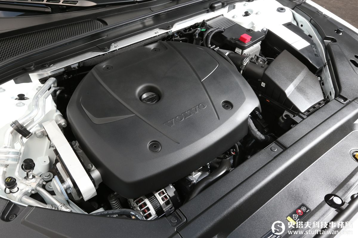 VOLVO S90 T5 Momentum試駕:十年第二劍