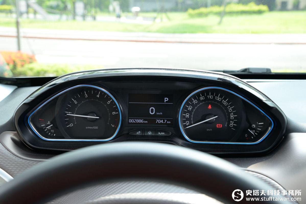 PEUGEOT 2008 PureTech 1.2L A6 5D Grip Control 試駕:休旅小獅王
