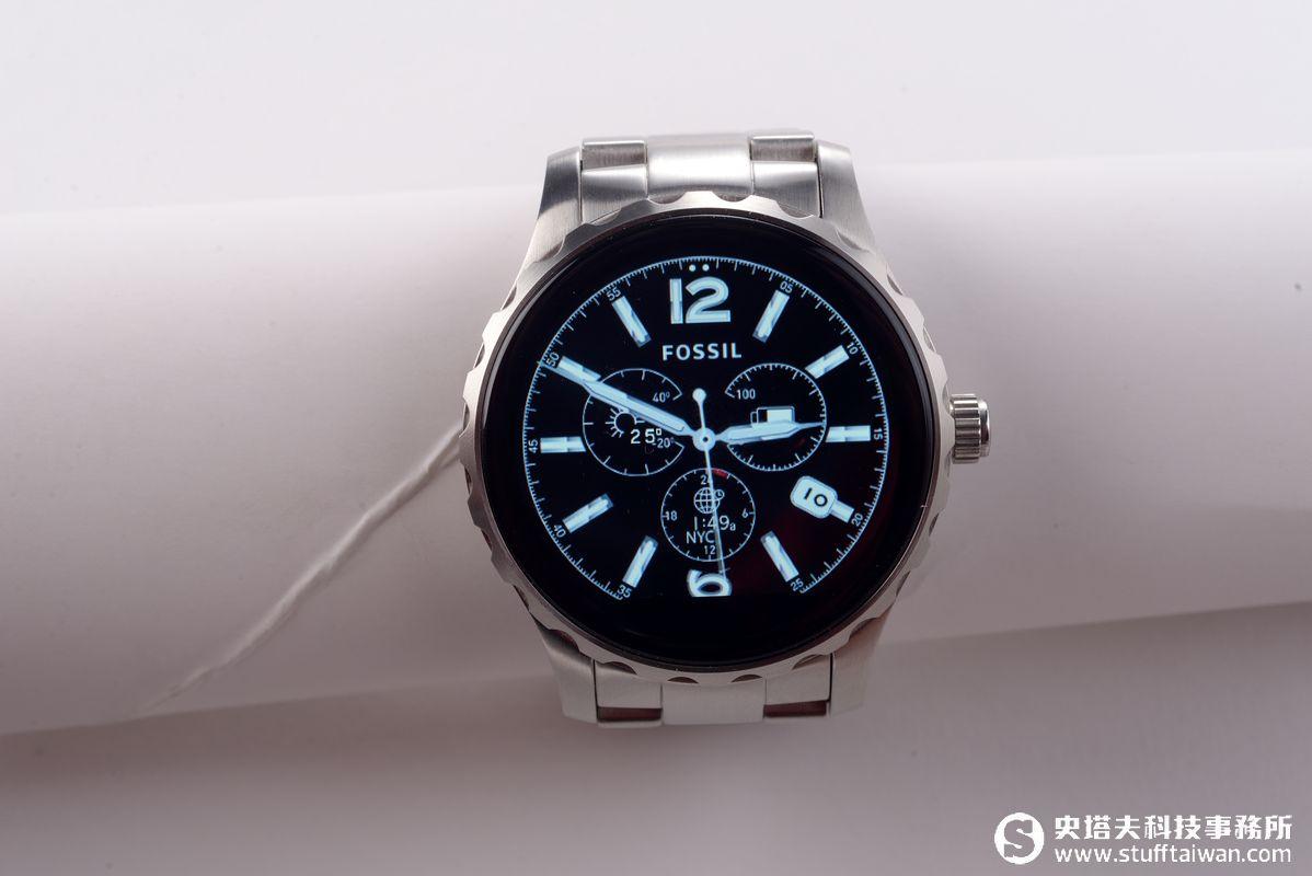 FOSSIL Q Marshal試玩:製錶工藝結合智慧科技的潮玩錶