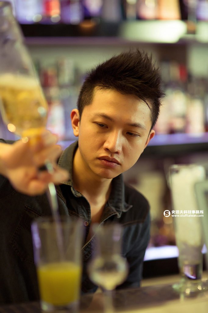 「INDULGE 實驗創新餐酒館」的Stanly Yang