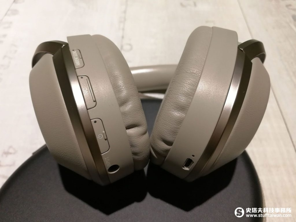 Sony MDR-1000X耳罩特寫