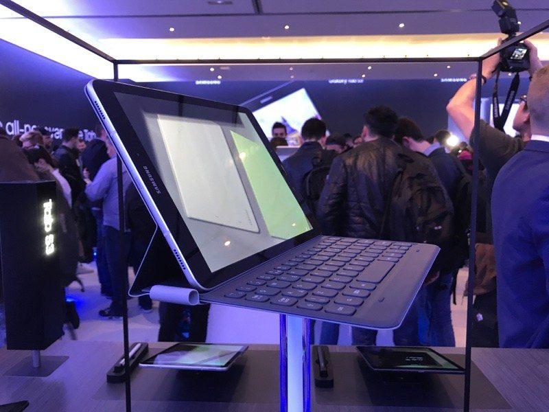 動眼看:Samsung Galaxy Tab S3、Galaxy Book兩者相似,但又有明顯不同