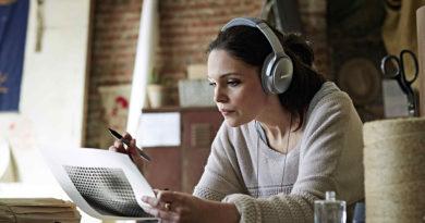 Bose QuietComfort 35降噪耳機情境照