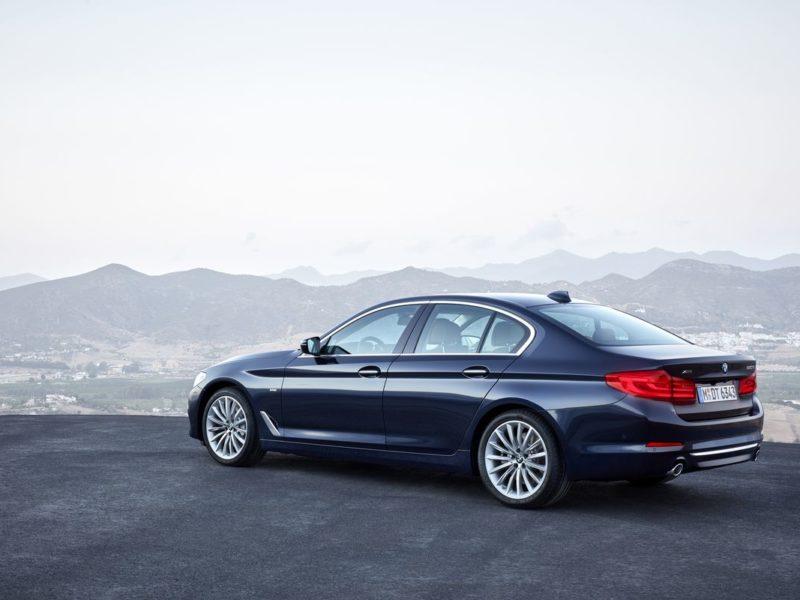 全新BMW大5系列搭載Luxury Line風格套件 (10)_result