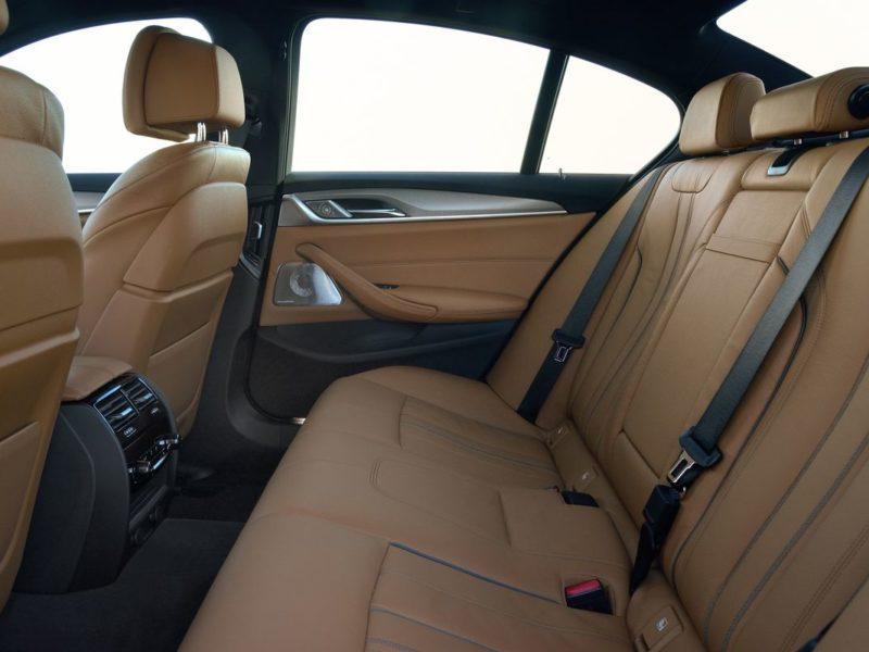 少年董仔該換車了!第七代BMW全新大5系列霸氣登場