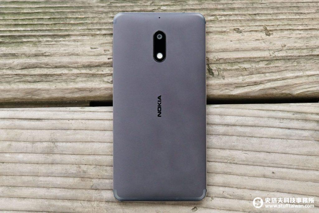 Nokia 6背面