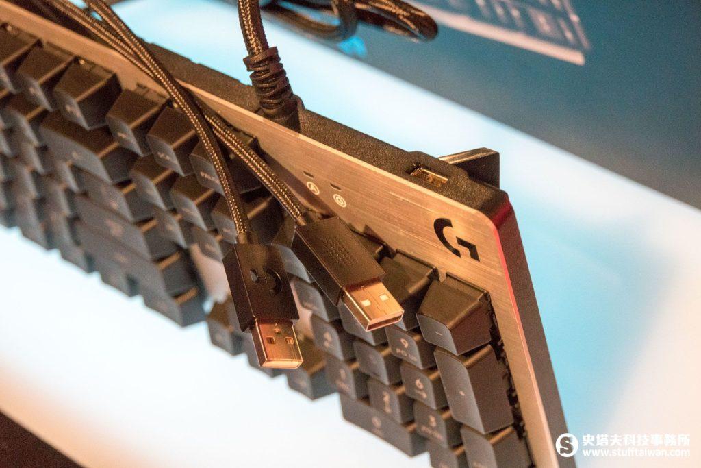 羅技G413赤焰之戰冰風暴特別版