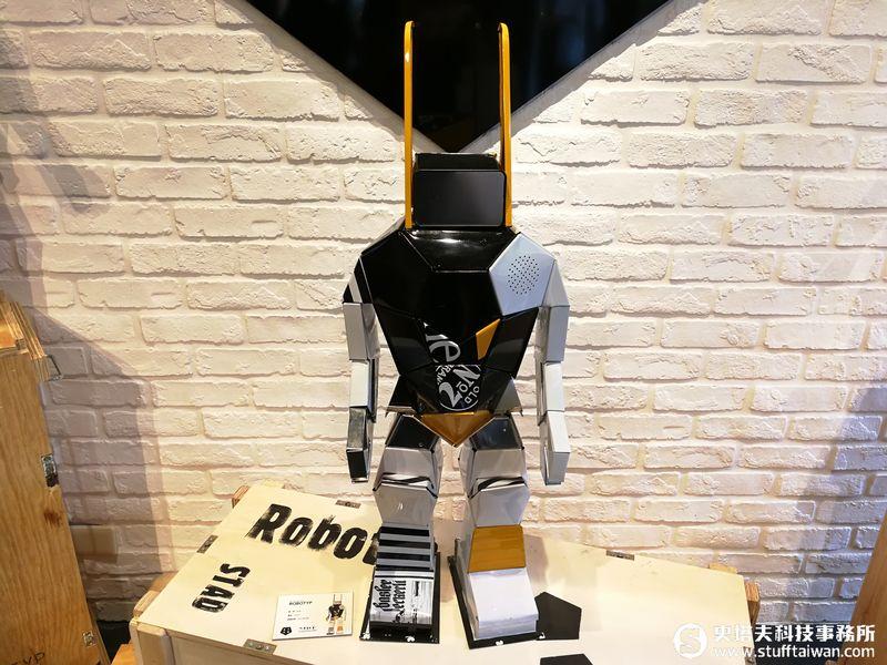 感受獨一無二的手作溫度!Hervé Stadelmann 機器人雕塑作品開展