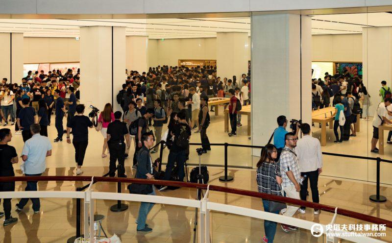 Apple台北101直營店大門