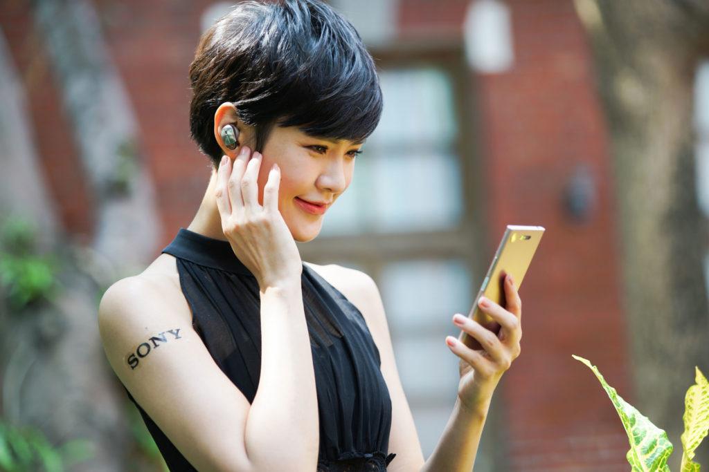 Sony WF-1000X真無線藍牙降噪入耳式耳機情境照