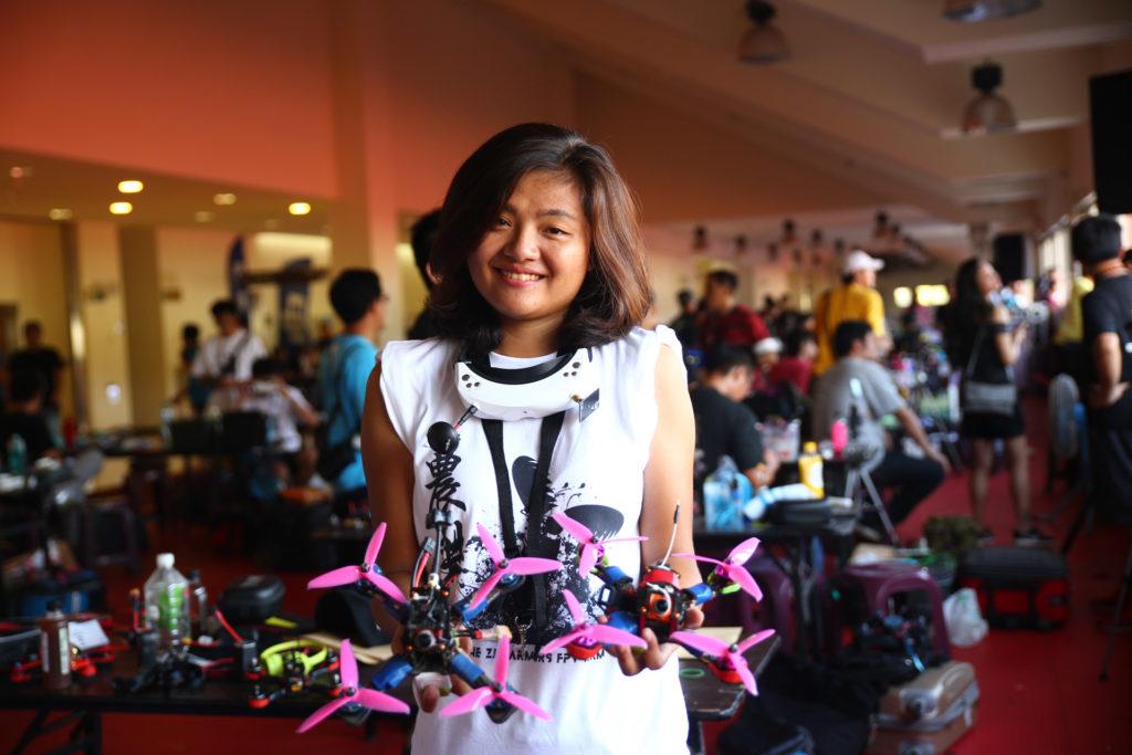 台灣首位參與競速無人機比賽的女性飛手趙莛宇