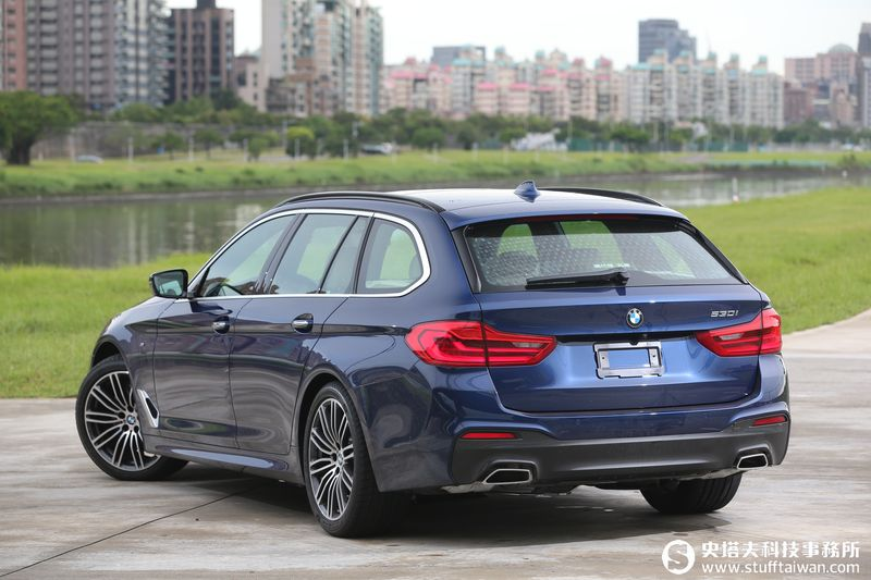 BMW 530i Touring M Sport試駕:開帥也開快
