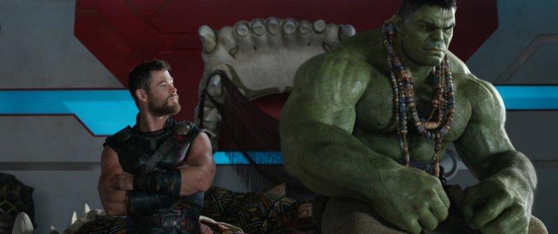 【雷神索爾3:諸神黃昏 Thor:Ragnarok】聲光娛樂效果十足 保持一貫漫威幽默
