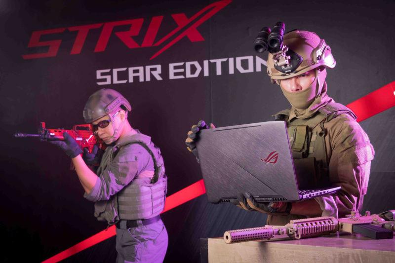 華碩ROG Strix SCAR電競筆電情境照