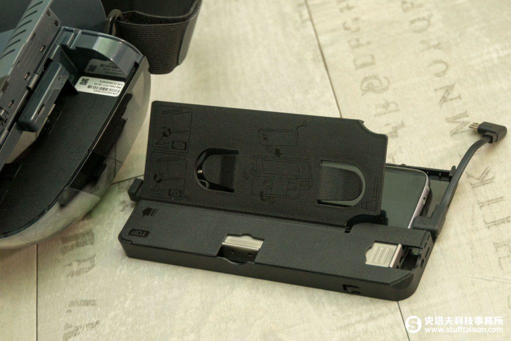 Lenovo Mirage AR頭戴顯示器左側手機插入口