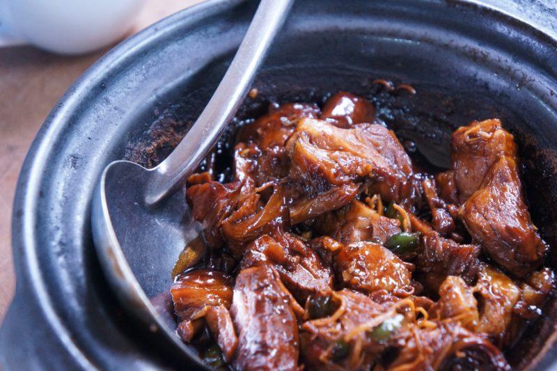 台灣第一本《臺北米其林指南》夜市美食也上榜