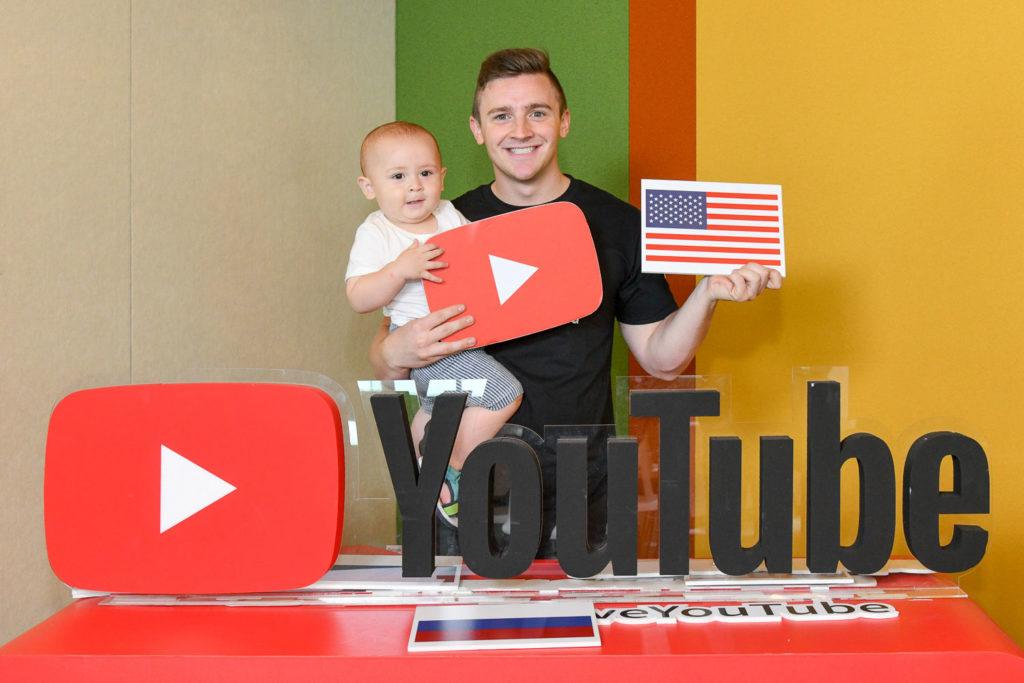 LoganDBeck 小貝和他的小孩