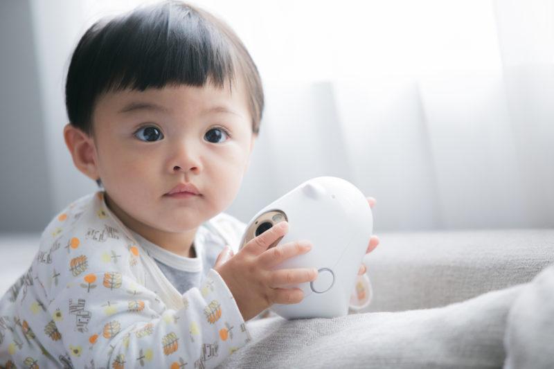 媽媽跪求快出貨的「育兒神隊友」台灣研發 AI 智能寶寶攝影機