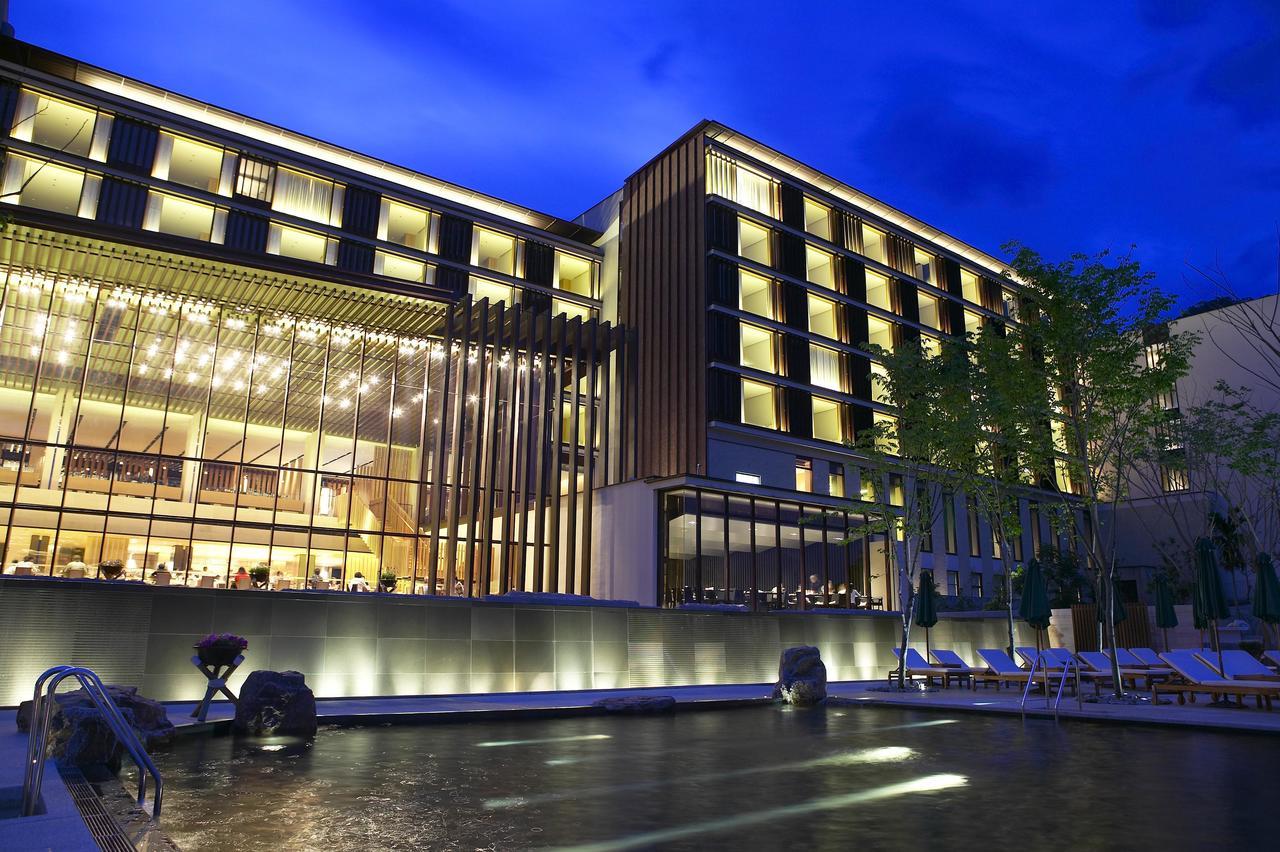 宜蘭礁溪老爺酒店位於礁溪市區「五峰旗風景特定區」中,坐落於遼闊的山景之間