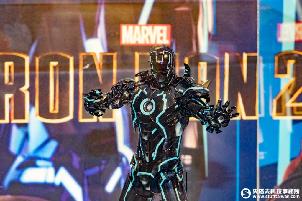 《鋼鐵人2》鋼鐵人 Mark IV 霓虹科技款 1:6合金珍藏人偶限定版
