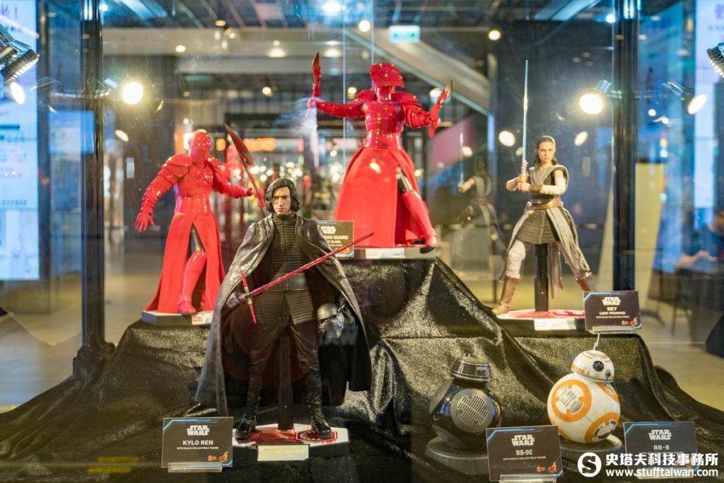《星際大戰:原力覺醒》中的珍藏人偶