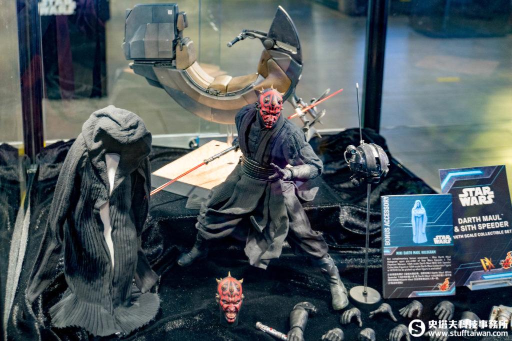 《星際大戰首部曲:威脅潛伏》達斯魔與西斯飛行摩托車1:6珍藏人偶特別版
