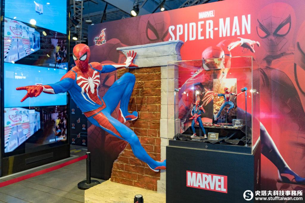 PS4《Marvel's Spider-Man》原尺寸蜘蛛人先進戰衣款(Advanced Suit) 雕塑級雕像
