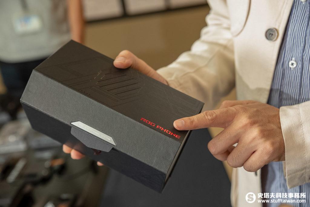 ROG Phone包裝盒