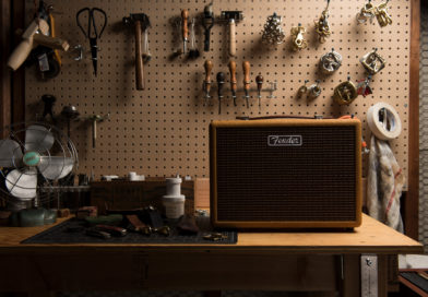 Fender Newport「達科塔紅」、「音速藍」新色抵台 復古風才是新時尚