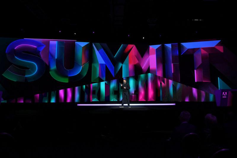 Adobe執行副總裁暨技術長Abhay Parasnis於Adobe Summit 2019大會上宣布全球開放使用Adobe Experience Platform