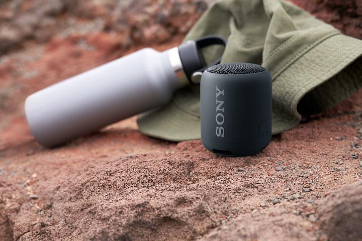 Sony SRS-XB12可攜式重低音無線藍牙喇叭情境照