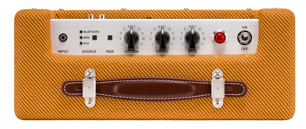 Fender Monterey Tweed頂端的音量、高低音操控鍵、LED燈號