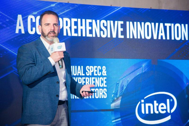 Intel客戶運算事業群副總裁暨行動創新總經理Josh Newman