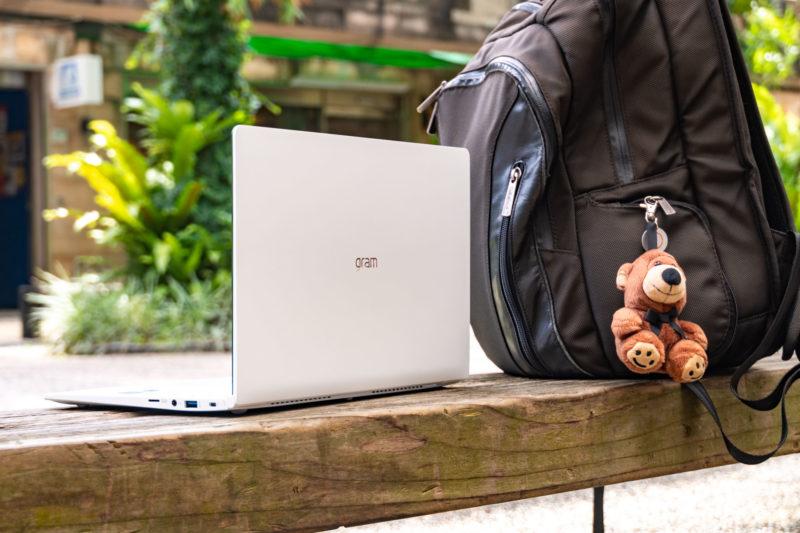 LG gram Z990 14吋筆電