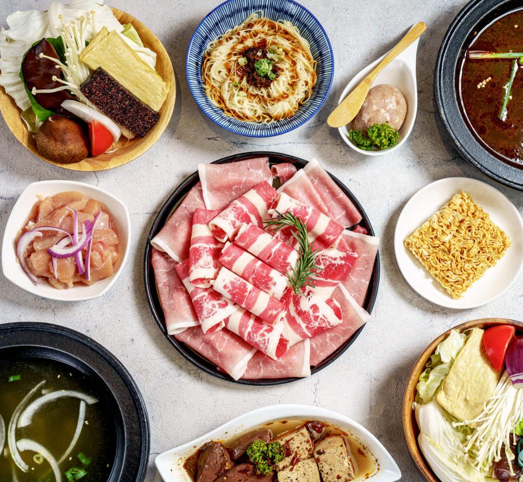 (圖5)《石研室 台灣石頭火鍋》外帶專屬「熱炒雙人套餐」,透過KLOOK預訂外帶還獨家贈送多一份肉品,現省179元